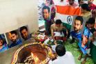 India Vs Pakistan: వాన వద్దంటూ...ముంబైలో క్రికెట్ అభిమానుల హోమం
