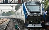 Video: Train 18... ఇండియాలో మొట్టమొదటి ఇంజన్ లేని రైలు ఇదే...