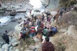 Video: కశ్మీర్ లోయలో పడిన బస్సు... 12 మంది మృతి...