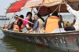 Video: ప్రియాంకా గాంధీ పడవ ప్రయాణం.. గంగ గట్టున ఓట్ల వేట