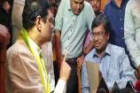 Video: టీడీపీ అభ్యర్థి ఇంట్లో ఐటీ సోదాలు.. అధికారులను బెదిరించిన సీఎం రమేష్