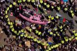 Video: వాతావరణ మార్పులపై లండన్లో భారీ నిరసన
