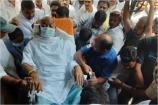 Video: ఆంబులెన్స్లో ఓటేయడానికి వచ్చిన ముఖేష్ గౌడ్