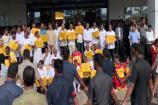 Video: అసెంబ్లీ బయట టీడీపీ ధర్నా... ప్లకార్డు పట్టుకోని చంద్రబాబు