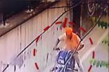 Video: ఎంత సింపుల్గా బైక్ చోరీ చేస్తున్నాడో చూడండి..