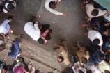 Video: పోలీసులకు దొరికాడని బ్లేడ్తో కోసుకున్న దొంగ