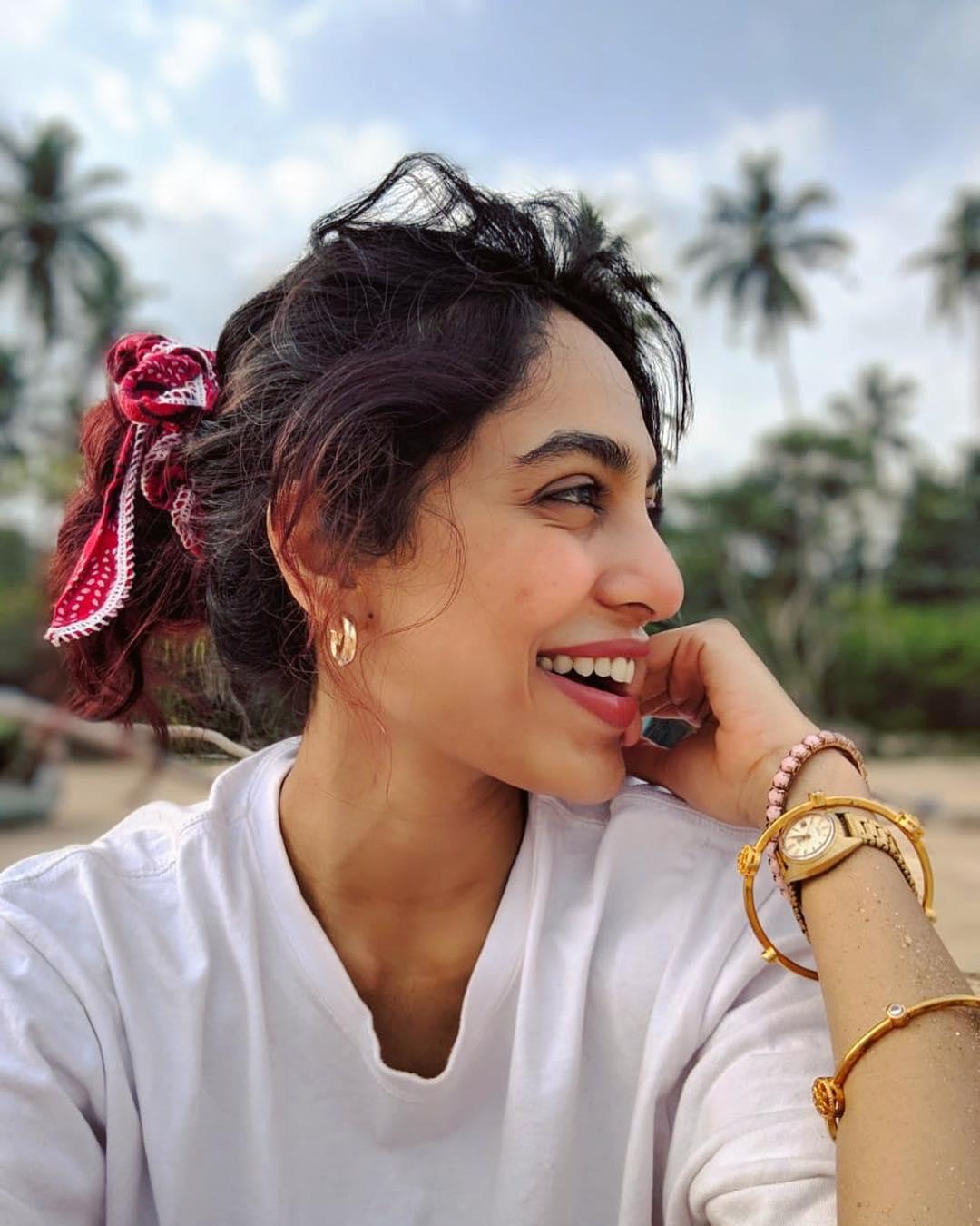శోభితా ధూళిపాల హాట్ ఫోటోస్ Photo: Instagram/sobhitad