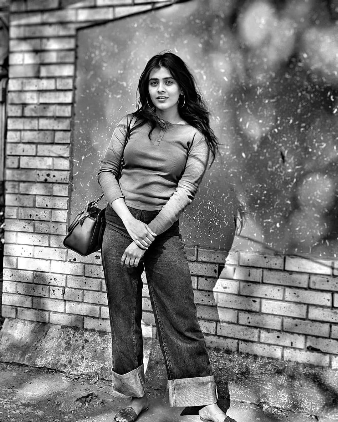 హెబ్బా పటేల్ లేటెస్ట్ ఫోటోస్     Photo: Instagram/ihebahp