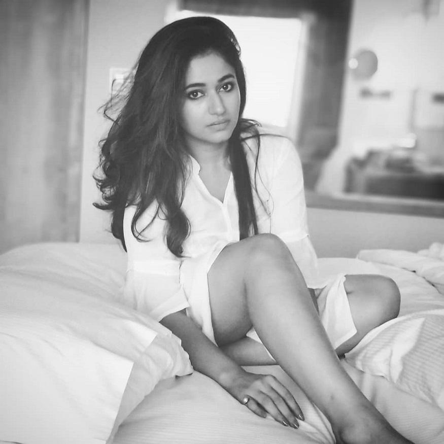 సినీ నటి పూనమ్ బజ్వా లేటెస్ట్ ఇన్స్టాగ్రమ్ ఫోటో Photo: Instagram (@deannama37)
