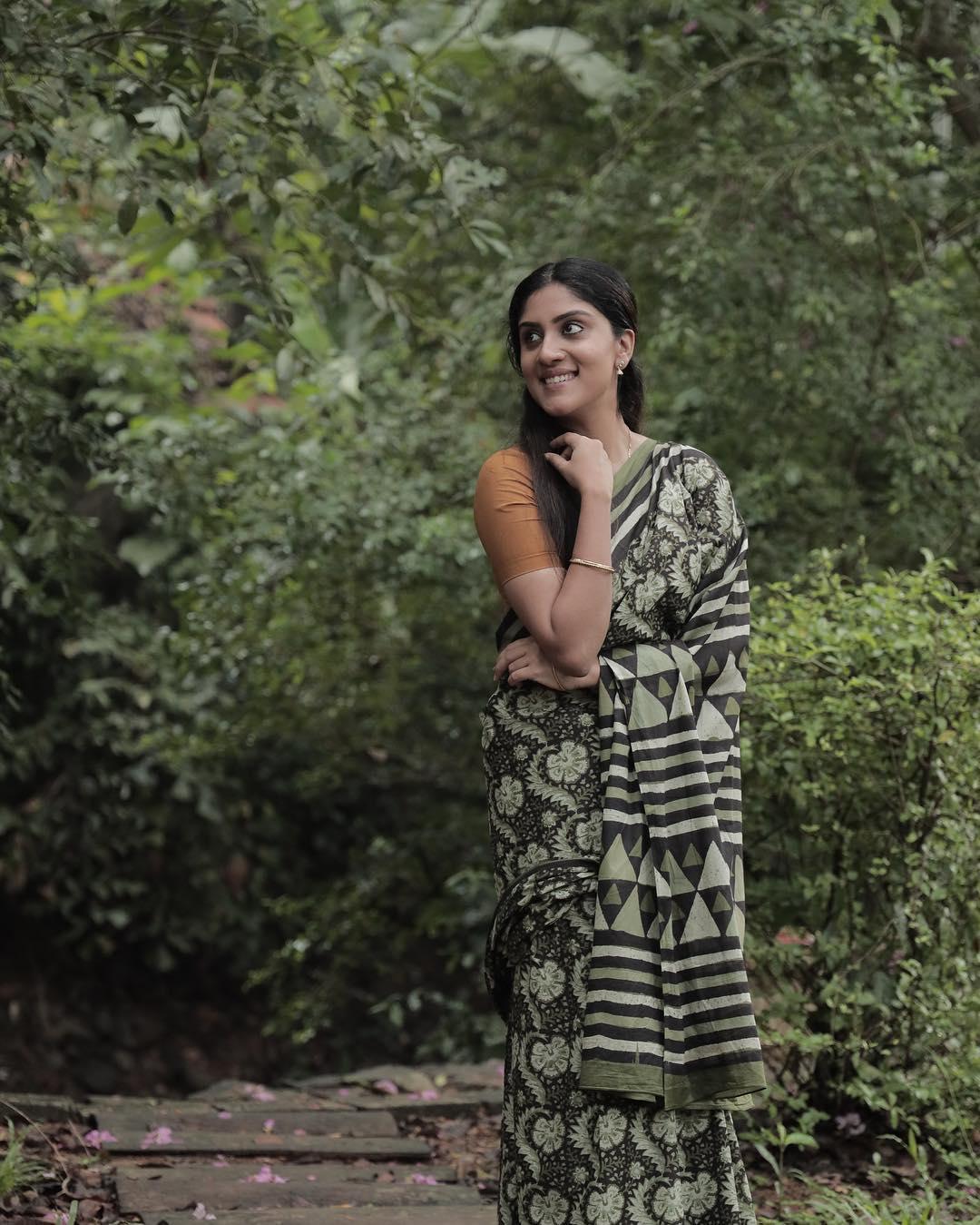 ధన్యా బాలకృష్ణ ఇన్స్టాగ్రామ్ ఫోటోలు (Photo: Instagram)