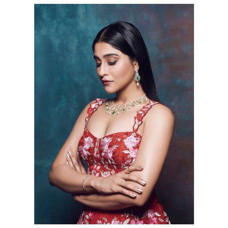 రెజీనా హాట్ ఫోటోస్(source: Instagram)