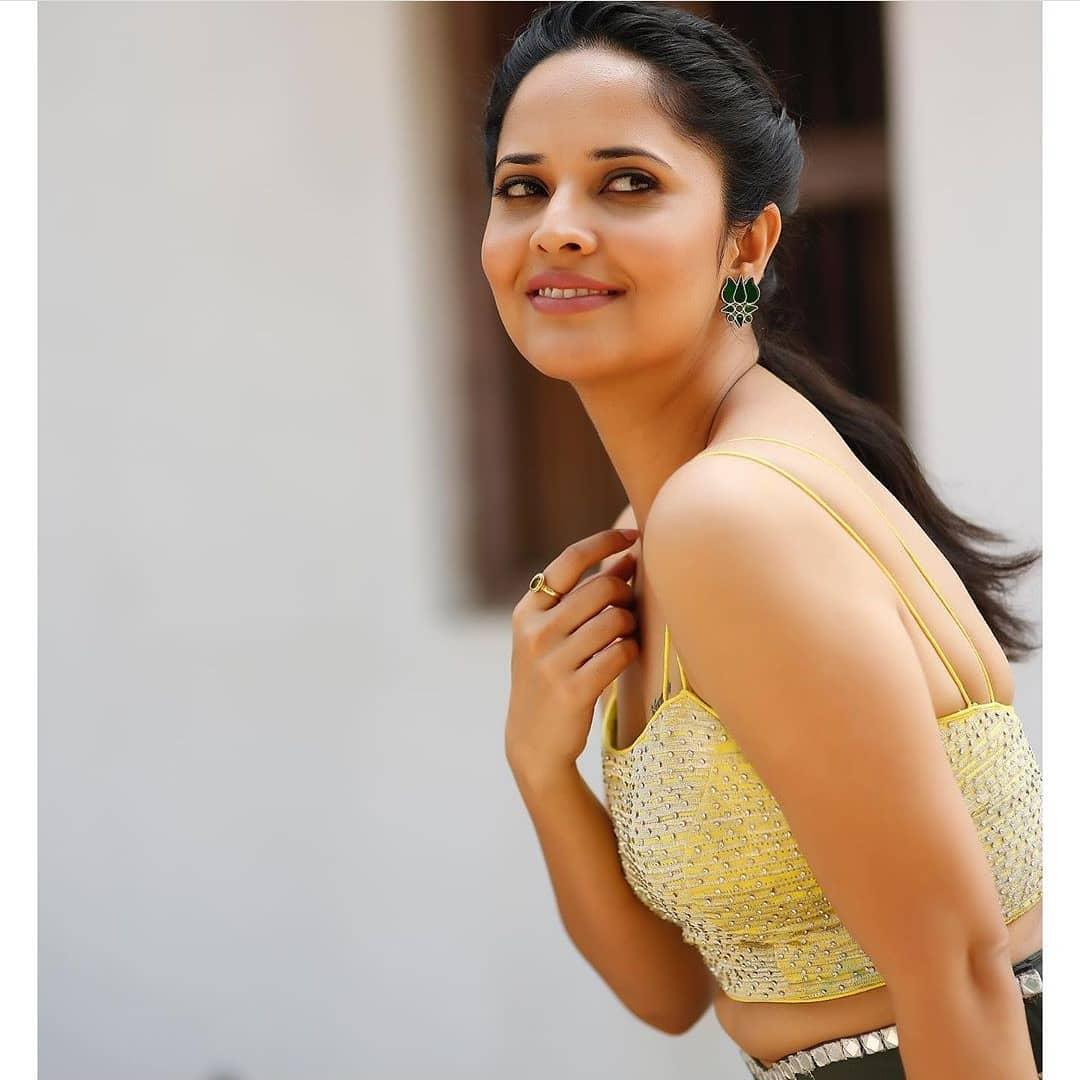 లేటెస్ట్ ఫోటోషూట్లో టాటూస్తో అదరగొట్టిన జబర్దస్త్ భామ అనసూయ Photo: Instagram.com/itsme_anasuya