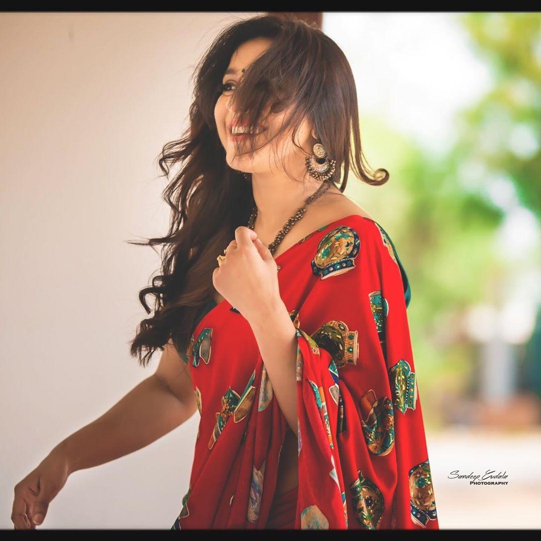 జబర్దస్త్ యాంకర్ రష్మీ గౌతమ్ ఫోటోస్ Photo:Instagram.com/rashmigautam