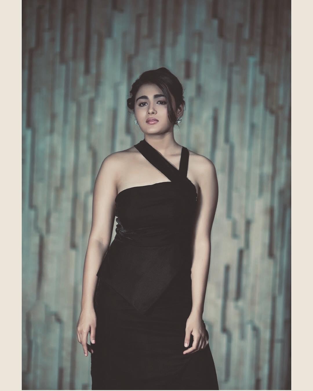 షాలిని పాండే హాట్ ఫోటోషూట్ Photo: Instagram.com/shalzp