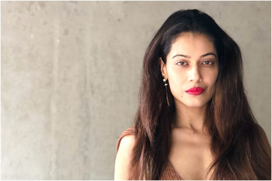 actress payal rohatgi detained for comments against nehru gandhi family