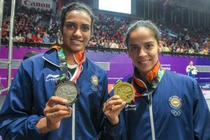 పీవీ సింధుకు రెండో 'సారి'... ఛాంపియన్షిప్ నిలుపుకున్న సైనా నెహ్వాల్...