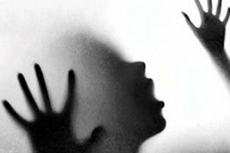 75 మంది టీనేజ్ అబ్బాయిలని 'కాటేసిన' సార్జంట్ మేజర్
