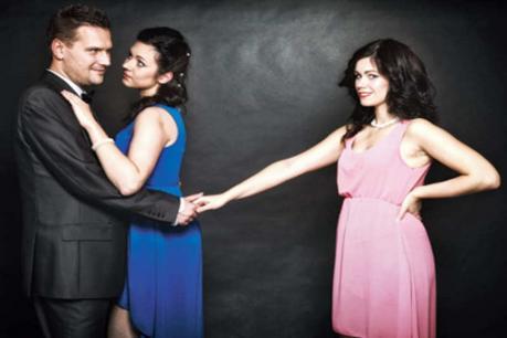 #Sweet&Hotmemories : తప్పా..? ఒప్పా..? ఇంట్లో భార్య లేని సమయంలో ఆమెతో..